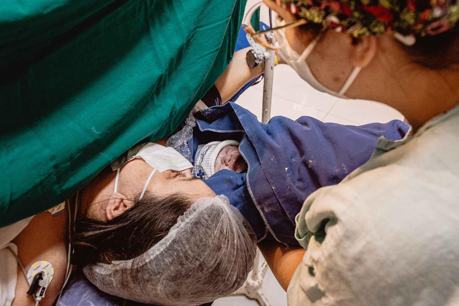 Nascimento Helena Santa Casa de Cruzeiro parto cesaria